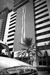 Miami mood (Jack_from_Paris) Tags: l3000095bw leica m type m10p 20021 leicaelmaritm28mmf28asph 11606 dng mode lightroom capture nx2 rangefinder télémétrique noiretblanc bw blackandwhite monochrome wide angle rue street brickell perspective clouds tour skyscraper lines lignes truck freightliner