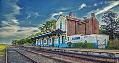 Estación de Tren Vivorata (Marina-Inamar) Tags: vivoratá estaciondetren arquitectura edificacion espera vias metal perspectiva puntodefuga argentina buenosaires paisaje vacaciones
