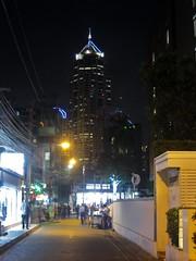 Sukhumvit Soi 6, Bangkok (Stewie1980) Tags: thailand bangkok khlong toei sukhumvit soi 6 china resources tower skyscraper evening night city urban กรุงเทพ ประเทศไทย