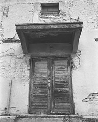 Time has stopped here (Attila Pasek (Albums!)) Tags: hungary analogue pan400 battonya ricoh kr5 kentmere camera bw old blackandwhite 35mm film door