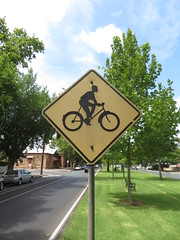 1980s 'Cyclist' pictogram sign on Osmond Tce, Norwood (RS 1990) Tags: rare 1980s cyclist symbol pictogram traffic road sign osmondtce norwood adelaide australia australian southaustralia thursday 23rd january 2020