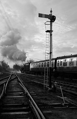 GCR 99709bw (kgvuk) Tags: gcr greatcentralrailway railways trains steam locomotive steamlocomotive steamengine steamtrain 73156 brstd5mt 460 swithlandsidings