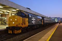 37418 Cardiff Queen Street 21/01/2020 (Brad Joyce 37) Tags: d7100 nikon locohauled dusk night cardiff wales cardiffqueenstreet passenger train diesel locomotive transportforwales 2r20 class37 37418