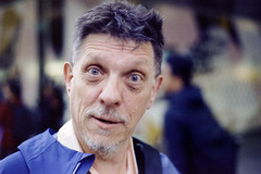 Oi (Kustoms On Silver/Ashley Hoff) Tags: minolta minoltamaxxum7 dynax maxxum maxxum7 dynax7 cinestill cinestill800t 800t film filmphotography southaustralia street streetphotography adelaide colourfilm