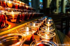 Cathédrale des Sts Michel et Gudule, Bruxelles (02) (Lцdо\/іс) Tags: brussels belgique belgium belgie belgian fire bougie religion religious church cathédrale christian capital europe europa lцdоіс