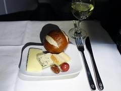 202001006 LH405 JFK-FRA dinner (taigatrommelchen) Tags: 20200102 flyingmeals airplane inflight meal dinner business dlh lufthansa lh405 a340600 daihb jfkfra