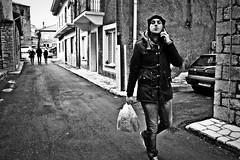 street kiss (Love me tender ♪¸.•*´¨´¨*•.♪¸.•*´) Tags: street streetshots architecture walking one shopping man kiss dimitrakirgiannaki winter blackandwhite bag jeens