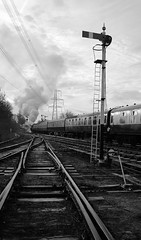 GCR 99696crbw (kgvuk) Tags: gcr greatcentralrailway railways trains steam locomotive steamlocomotive steamengine steamtrain 73156 brstd5mt 460 swithlandsidings