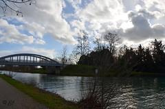 """contre-jour orageux (Brigitte .. . """"Tatie Clic"""") Tags: 2016011180 janvier hiver paysage pont canal silhouette contrejour ciel nuages fleuve rivière coursdeau lotetgaronne aquitaine francesudouest sentier chemin"""