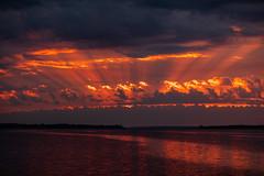 lr_2L0A4465_190926_0701 (Paul Lantz) Tags: 2019september26 70200mm bayofquinte belleville cloudy janeforresterpark sunrise