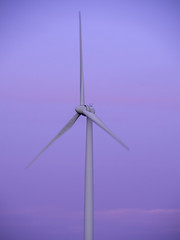 Wind Turbine (Howie Mudge LRPS BPE1*) Tags: windturbine engine propeller sunset goldenhour engineering sky aylesbury england travel olympus olympusem10mkii microfourthirds mft m43 olympusm14150mmf4056ii