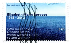 "great stamp Germany 370c Elisabeth Mann Borgese; Ökologin, ecologist; ""Wir müssen die Ozeane retten, wenn wir uns selbst retten wollen"" ""We have to save the oceans if we want to save ourselves"" ""Nous devons sauver les océans si nous voulons nous sauver"" (stampolina, thx for sending stamps! :)) Tags: timbres allemagne 우표 독일 유럽 sellos alemania selos alemanha γραμματόσημα γερμανία frimerker tyskland markica njemačka pullari almanya スタンプ ドイツの ヨーロッパ postzegels duitsland francobolli stamps briefmarke briefmarken postzegel zegel zegels марки टिकटों แสตมป์ znaczki frimärken 邮票 طوابع bollo francobollo bolli postes sello selo razítka bélyegek meer ozean ocean sea water wasser"