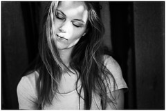 m... without make-up (kajus.hh) Tags: portrait bw woman porträt sw female daylight natural outdoor availablelight 14 85mm shooting monochrom frau sonne sonnenschein nomakeup tfp natürlich ungeschminkt pure pur