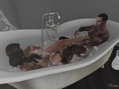Mr and Mrs Winterfell (亗 Mosse Winterfell 亗) Tags: love cuddle happy bath naked wife