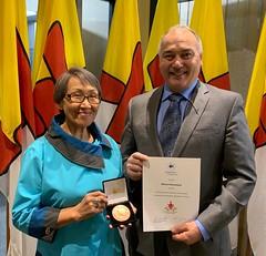 NUNAVUT: Award recipient/lauréate Monica Ittusardjuat with/avec Premier/premier ministre Joe Savikataaq
