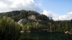 *** (pszcz9) Tags: przyroda nature natura naturaleza góry mountains sudety woda water pond staw las forest forestimages skała rock pejzaż landscape jesień autumn beautifulearth sony a77