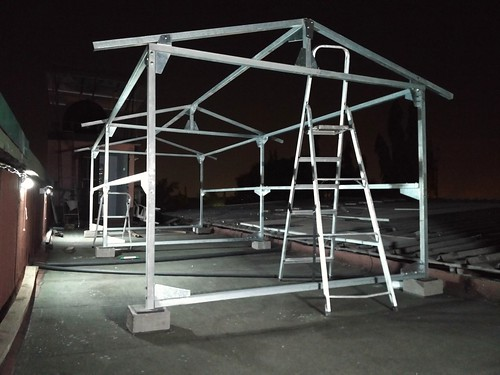 Structure pour panneaux solaires.