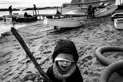 Untitled (simone mantia) Tags: candid street streetphotography beach beachphotography bw biancoenero castiglioncello