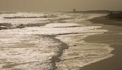 Oleaje en la playa de es Cavallet (scandelaibz) Tags: temporalolas21120 olas oleaje temporal gloria nublado playa cavallet eivissa ibiza sant josep pitiüses baleares