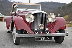 1936_Bentley_02 (NC Mountain Man) Tags: bentley 1936bentley 1936 antique ragtop convertible lowresolutionversion ncmountainman nikon d3400 phixe 1936bentley35literdrophead trees dof