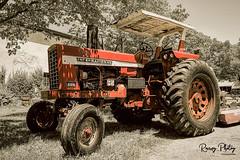 International 826 (robtm2010) Tags: framingham massachusetts usa newengland canon canon7d 7d eastleighfarm farm eastcoast tractor motorvehicle vehicle international826