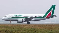 Airbus A319-111 EI-IMS Alitalia (William Musculus) Tags: paris charles de gaulle lfpg cdg roissy roissyenfrance airport aeroport plane airplane spotting william musculus eiims alitalia airbus a319111 az aza a319100