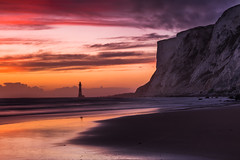 Beachy Head Falling Sands Sunset - Sussex (E_W_Photo) Tags: beachyhead fallingsands cowgap lighthouse sunset beach reflection seascape sussex england uk canon 80d sigma 1750mm leefilters