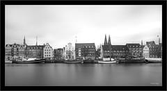 Lübeck, long time exposure, Leica M 246 Monochrom, WATE Tri-Elmar, ND 10 (Dierk Topp) Tags: bw leica leicammonochrom246 leicatrielmarm1618214 nd1000x nd30 architecture longtimeexposure lübeck monochrom sw trave wasser water