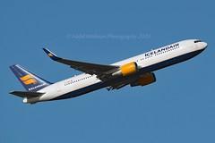 """Svörtuborgir"" Icelandair TF-ISN Boeing 767-319ER Winglets cn/30586-808 @ LFPG / CDG 19-01-2020 (Nabil Molinari Photography) Tags: svörtuborgir icelandair tfisn boeing 767319er winglets cn30586808 lfpg cdg 19012020"