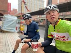 台北大稻埕.阿中 (nk@flickr) Tags: friend taipei cycling 台北 20200124 taiwan 台湾 bobby 台灣 阿中 iphone11probackdualwidecamera425mmf18