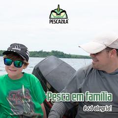 Pescaria em familia (Pescazila) Tags: family familia pescaria fish fishing pesca pescador angler boat rio mar sea pescazila filho filha son daughter