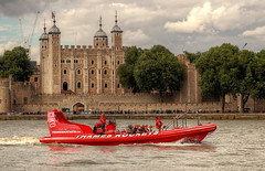 Thames Rocket. (Lee Nichols) Tags: highdynamicrange hdr handheldhdr photoshop canoneos600d photomatix tonemapping tonemapped touristattraction london touristlondon tourists tourism toweroflondon thamesrockets speedboats