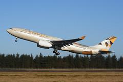 A6-EY Airbus A330-243 EGPH 20-02-18 (MarkP51) Tags: scotland airport edinburgh aircraft edi airliner egph sunshine plane airplane nikon image sunny d7200 markp51 a6eyi airbus a330 ey etd etihadairlines a330243