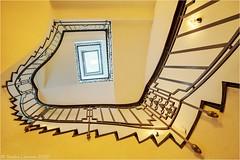 On the sunny side ... (Sandra Lipproß) Tags: staircase spiralstaircase staircasefriday treppenhausfreitag treppenhaus frankfurt gelb yellow circularstairs architektur architecture geometry