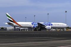 A6-ECC B773ER EMIRATES YBBN (Sierra Delta Aviation) Tags: emirates boeing b773er brisbane airport ybbn a6ecc