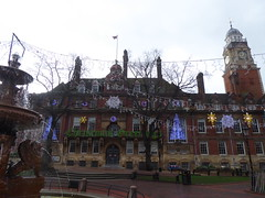 Leicester Town Hall (lcfcian1) Tags: leicester town hall leicestertownhall christmas decorations fountain day lights clock