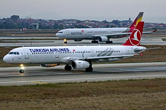 TC-JRJ     A321-231  Turkish Estambul Atatürk 22-10-16 (Antonio Doblado) Tags: tcjrj a321 321 airbus turkish estambul atatürk aviacion aviation aircraft airplane airliner