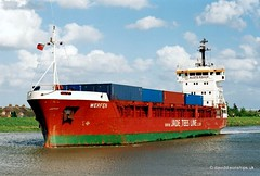Ship. Werfen 9019573 (dickodt65) Tags: ship coaster werfen containership feeder boston port 9019573
