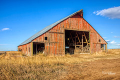 Starting To Fall Apart (rickwil64) Tags: abandoned barn neglected sky rural gravelroad washingtonstate easternwashington grantcounty decay vintage