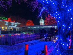 IMG_20200101_175225 (clefq) Tags: smpoole google pixel 2 htc mobile cell phone winter upper canada village light night christmas lights sight dark colors