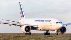 Boeing 777-F28 F-GUOC Air France (William Musculus) Tags: paris charles de gaulle lfpg cdg airport spotting aviation plane airplane william musculus roissy roissyenfrance fguoc air france boeing 777f28 af afr cargo 777f 777200lrf 777200f 777lrf 77f