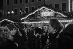 Sympathetic ? (michaelhertel) Tags: sw mono monochrome bw people street speyer germany deutschland weihnachtsmarkt travel christmasmarket fujifilm fujifilmxe3