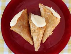 Τρίγωνα Πανοράματος (Argyro Poursanidou) Tags: food sweet greece τρίγωναπανοράματοσ γλυκό ελλάδα θεσσαλονίκη syrupy cooking cream
