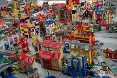 factory_xiii (Zeï'Cygaïn) Tags: lego classic town yellowed factory lindburg assembling