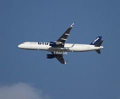 Air Blue                             Airbus A321                                 AP-BMO (Flame1958) Tags: airblue airbluea321 airbusa321 a321 321 airbus apbmo omdb dxb dubai dubaiairport مطار دبي الدولي dubaiinternationalairport 130120 0120 2020 uae unitedarabemirates مطاردبيالدولي 9914