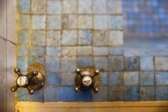 Villa Savoye (erichudson78) Tags: france iledefrance yvelines poissy villasavoye canoneos6d composition robinet tap salledebain bathroom lecorbusier signs minimalist minimaliste profondeurdechamp depthoffield dof