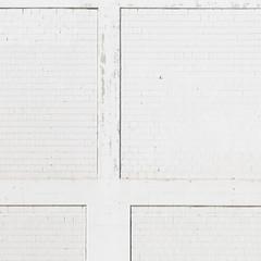 Weisse Wand (zeh.hah.es.) Tags: kreis5 zurich zürich schweiz switzerland weiss white grau gray grey muster pattern wand façade fassade facade rechtwinklig orthogonal horizontal vertical vertikal empty offwhite maagareal wall