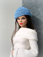 Blue beanie (Deejay Bafaroy) Tags: fashion royalty fr integrity toys devilmademedoit tulabelle doll puppe convention 2019 portrait porträt tulabelletrue theindustry industry barbie red rot white weiss brown braun blue blau beanie mütze