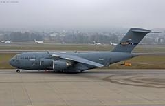 IMG_0039 (u.wittwer) Tags: boeing c17 globemasteriii flugzeug flughafenzürich usaf mcguire usairforce rch370 044131