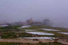 días de niebla y nieve (days of snow and fog) (miguelmoll387) Tags: nieve niebla fog mist snow casas houses hierba arboles trees nikon nikond7100 sigma sigma1770 objetivosigma